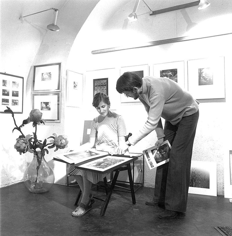 Anna Auer & Werner Mraz in the gallery »Die Brücke«, 1970 © Werner Mraz